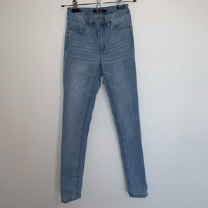 Pants - Light Wash No rip Jeans